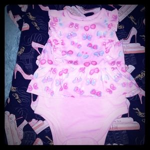 💜 5 for $20. Baby girls onesie